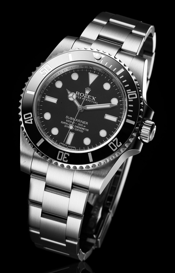 The fiercest brand Rolex at BaselWorld 2014, presented new versions of timepieces including Oyster Perpetual, Cosmograph Daykota, Milgauss, GMT-Master II, Datejust PearlMaster 34.