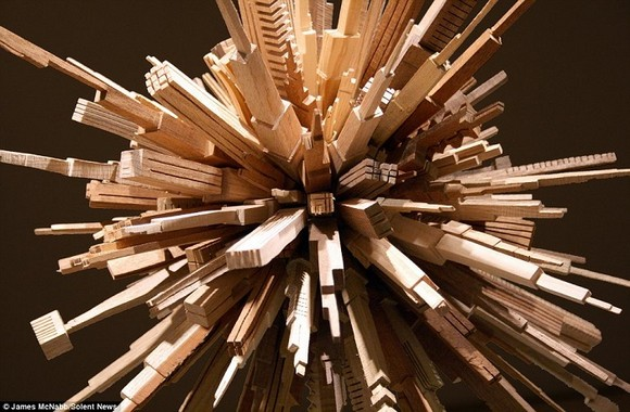 article-0-17277F3D000005DC-283_964x633  Outstanding Skyline sculptures with more than 5000 pieces article 0 17277F3D000005DC 283 964x633