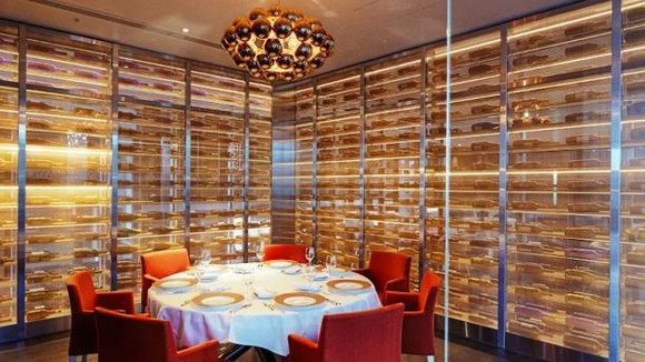 Still in the canton of Vaud – Lausanne, we let you know about the most luxurious design restaurants the city has to offer.  Luxury design restaurants in Lausanne Berceau des Sens Restaurant Lausanne