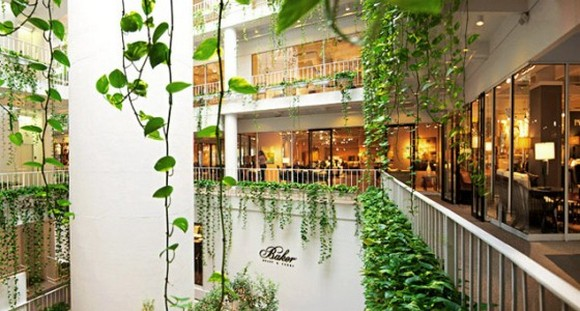 Within just a few blocks of the Hotel, you'll find the iconic High Museum of Art, the beautifully laid out Atlanta Botanical Garden, and a wealth of design-driven shops and restaurants.
