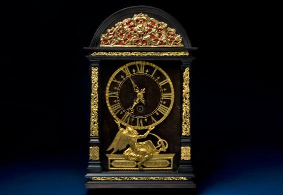 Dutch Pendulum Clock  The Chronology Through the Ages Dutch Pendulum Clock